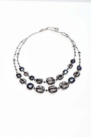 NECKLACE GRAPHIC 1